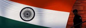 PTI: в Индии при столкновении автобуса с грузовиком погибли почти 20 человек