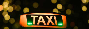Три человека пострадали из-за столкновения нескольких такси в столице