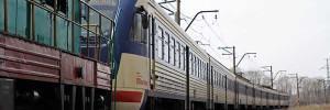 Электропоезд сбил внедорожник в Подмосковье