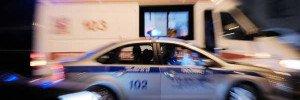 Два человека пострадали из-за столкновения грузовика и легковушки в Москве