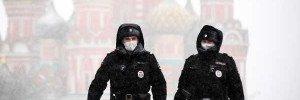 В Москве призвали водителей и пешеходов быть осторожными из-за снега