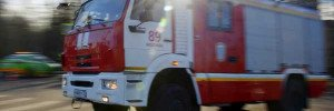 На северо-западе Москвы загорелся грузовик на дороге