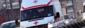 Скорая помощь столкнулась с иномаркой и перевернулась в Кемерово
