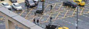 Три человека пострадали при ДТП с пятью машинами в Москве