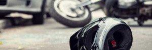 Мотоциклист сбил ребенка и протаранил две машины в Москве