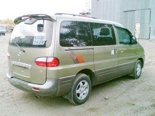 Автомобиль HYUNDAI STAREX-2001