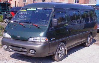 Микроавтобус HYUNDAI GRACE-2000 г