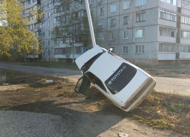 <p>ДТП на улице Покуса в Хабаровске.  Фото: Отделение пропаганды ГИБДД по городу</p>